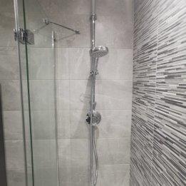 Higgins Bathroom 4