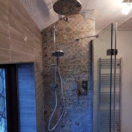Kania Bathroom 1